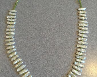 Handmade Freshwater Pearls and Peridot Beaded Necklace
