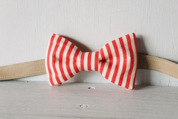 Bow tie unisex >> Red, white stripe bow, leather strap, buckle >> Brisbane