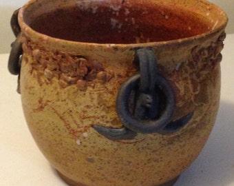 Amazing Classical Three Ring Handled Pot