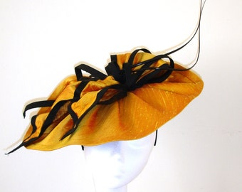Fascinator, Gold and Black fascinator, Gold and Silk hat, Ascot hat, Wedding hat,