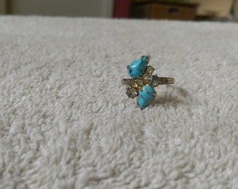 Vintage Ring faux Turquoise and rhinestone ring size 8