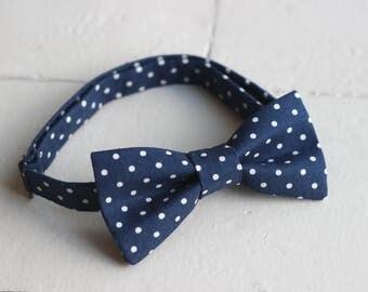 Mens Blue bow tie, Mens Navy Blue bow tie, Mens Easter Bow tie, Navy Blue wedding, Navy Wedding, Mens bow tie, Spring Bow Tie, Navy bow tie