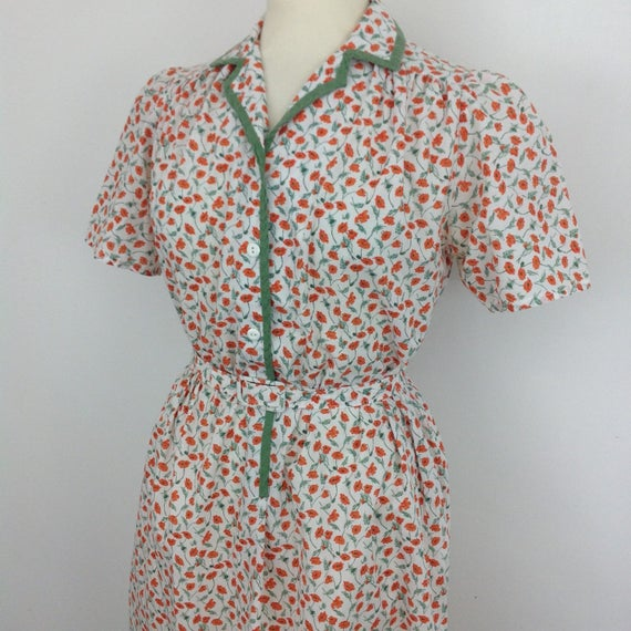 Vintage floral dress poppy print teadress UK 14 16 80s does 40s re enactor shirtwaister button front dress 1940s wartime WW2