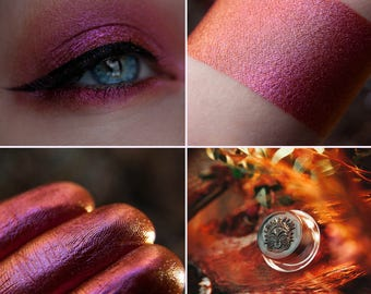 Eyeshadow: Glorifying Sunsets - Fairy. Brick, with a pinkish-golden tint prismatic eyeshadow by SIGIL inspired.