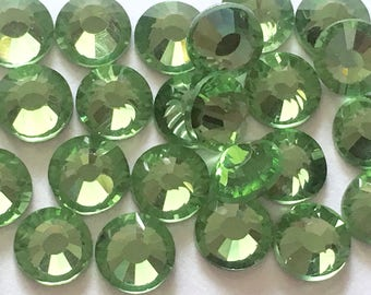 144 pcs., 720 pcs. or 7200 pcs./ Peridot SS20 Non Hot Fix (No Hotfix)  Glue On Flat Back Crystal Flat Back Rhinestones -  5mm