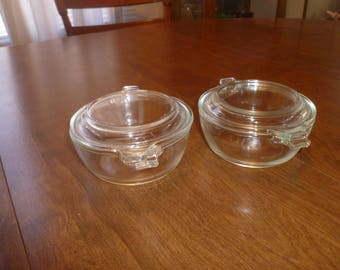 Two Small Pyrex Bowls with Lids