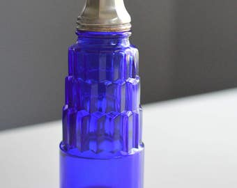 Cobalt Blue Glass Salt Shaker Hazel Atlas Cube Pyramid Design 4805