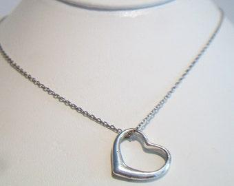 Classic Heart Silhouette Pendant Necklace Silver Tone Valentine's Day Costume Jewelry