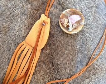 mini deerskin pouch with bead, handmade native american spirit bag, gypsy boho talisman, primitive pagan medicine bag