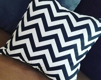 Black and White Chevron Print Pillow Cover