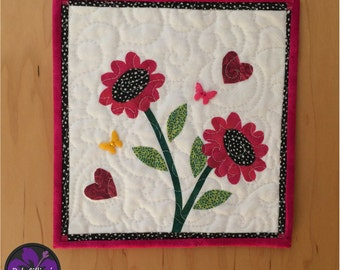 Miniature Art Quilt, Handmade Quilt, Quilted Wall Hanging, Fiber Art Quilt, Contemporary Quilt, Floral Wall Art, Wall Hanging