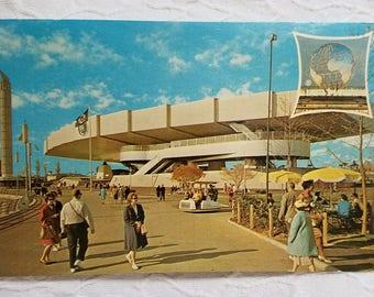 "Bell Telephone Pavilion New York World's Fair 1964 - 1965 ""Peace Through Understanding"" Vintage Postcard"