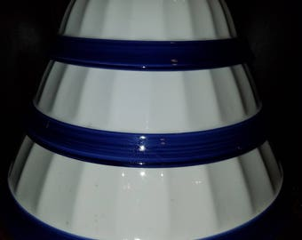 Williams Sonoma from Italy Set of 3 White W/Dark Blue Trim Bowls