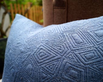 Pillow knit blue 30 x 40 cm