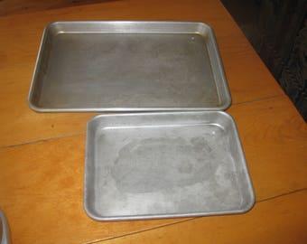 2 vtg Heavy Duty Primitive Aluminum Baking sheets 11x15 and 8 x10 heavy Grade do not make like this anyymore