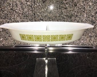 Pyrex Verde Divided Dish