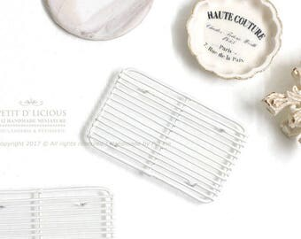 Dollhouse Miniature Accessories- Ivory Bakery Rectangular Wire Cooling Rack_ TYPE II