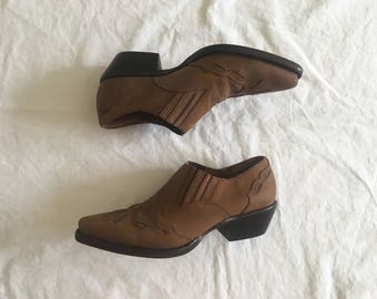 FLASH SALE Vintage 1990's Brown Leather Booties by Nine West