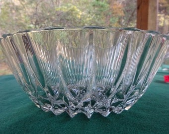 Glass Bowl, Cristal D'Argues-Durand glass bowl