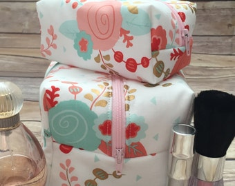 Blush and Coral Floral Mommy and Me Makeup Bag Set, Mint Floral Makeup Bags, Mother Daughter Gift,  Monogram Available