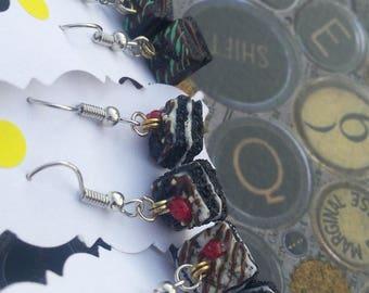 Mini cake earrings