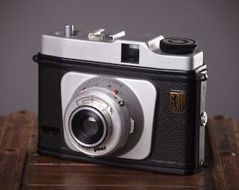 Vintage Camera Certo-phot. Rollfilm camera. Lomo camera. Lomography. Working Film Camera.