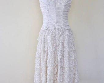 Vintage 1940's Cream Layered Lace Wedding Cake Skirt Ruched Scalloped Trim Top Dress
