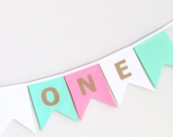 Double pointed 'one' bunting flag banner