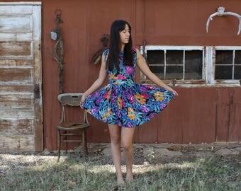Vintage Floral Dress // floral mini dress // floral mini dress