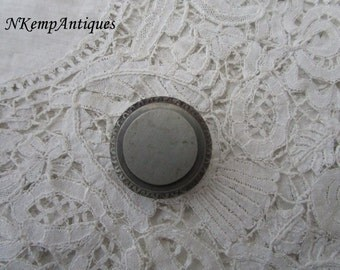 Antique button 1861 for the collector