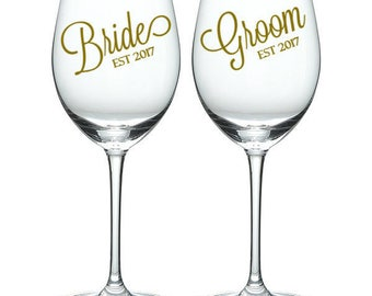 Bride and Groom wine glasses, bridal party, Bride wine glass, Groom wine glass, personalized wine glass, head table, wedding decor, Bride