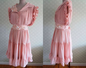 Pale pink 80s ruffled trim vintage dress. French Vintage Dress 80s.