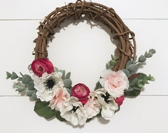 Small Floral Wreath // nursery decor // floral decor