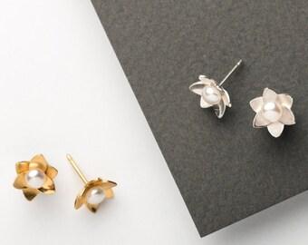 Daffodil Pearl Studs