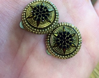 1950s Sphinx Victorian style black glass clip on earrings