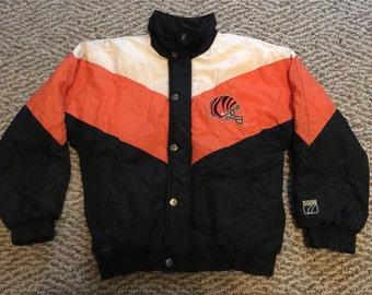 Vintage WoMens Cincinnati Bengals All Over Print Crewneck Puffy Winter Coat Jacket Size S