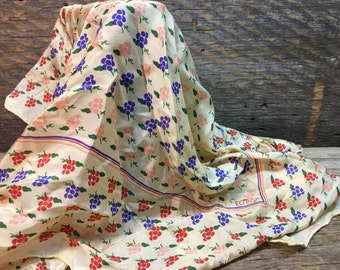 Vitnage Echo Scarf/100% Pure Silk/Made in Japan/Grapes Design