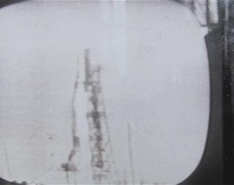 Original 1962 Nasa Space Program Television Snapshot Photo - Captioned Lt Col John Glenn Before Take Off - Free Shipping