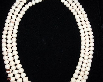 Antique Angel Skin Coral 3-Strand 18K White Gold & Diamonds 6mm-12mm Antique Necklace Mint Condition