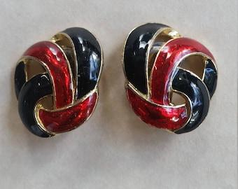 Retro goldtone red black enamel clip on earrings