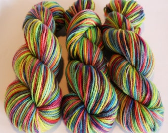 100g, 199m, Hand dyed, Worsted, merino wool, pure, soft, lofty wool.