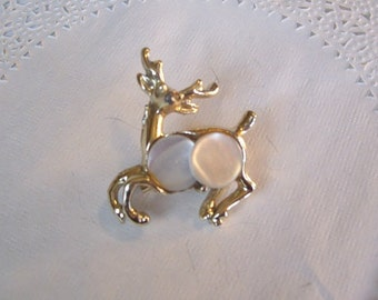 MOP Christmas Brooch (46) - MOP Reindeer Brooch - Vintage Christmas brooch - vintage jewelry - Christmas Deer Brooch - MOP jewelry