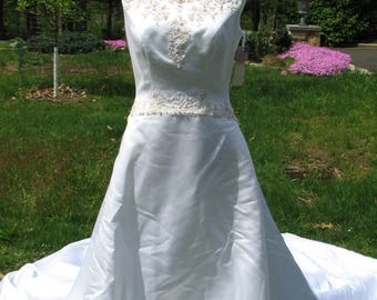 Casablanca Bridal Dress - Bridal Gown - Size 10