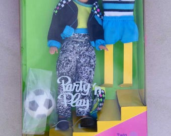Barbie Party 'n Play Todd 7903, twin brother of Stacie, NIB, complete, including soccer ball, in origional box from 1992