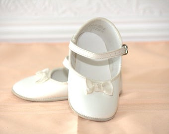 Girls Vintage White Baby Shoes - Size 3 - Vintage Baby Shoes - Vintage dress Shoes - Vintage Boys Shoes - Vintage Girls Shoes - dress shoes