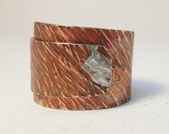 Mens Ring ring size 10, Rustic copper ring, Hammered copper, Wrapped ring, Striations ring, Tree bark, Rustic ring, Adjustable Ring