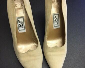 Gianni Versace Medusa Authentic Vintage Cream Suede High Heels sz 37