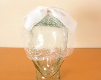 Vintage 50's Headpiece Fascinator Mini Hat- White Bow with Half-Face Net Veil