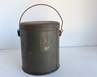 Vintage Tin  Lunch Pail