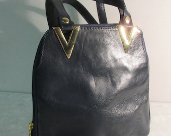 BEAUTIFUL 1980's Black Leather Handbag - MADE In ITALY - Lovely!!